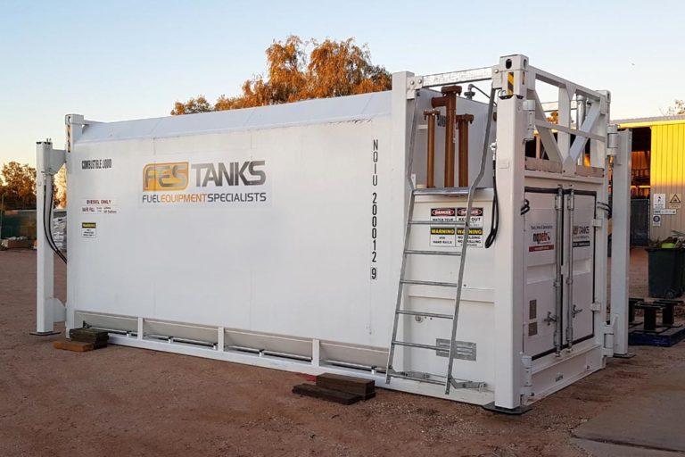 hydraulic-un-loading-kit-on-30000l-self-bunded-tank